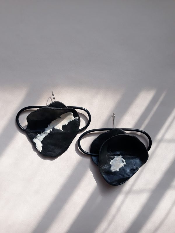 Drama handmade sculpture earrings black and white colors