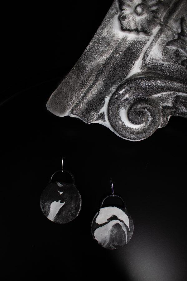 circle,black,white,earrings,marble,abstract,face,abstractionfaces,abstraction,style,fashion,sculpture,party,present,gift,handmade,jewelry,jewellery,обеци,кръг,подарък,специална,ръчна,изработка,лица,абстракция,мода,стил,скулптура,парти,черно,бяло,сиво